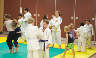 Judo Training - Grips Fightsing Practice